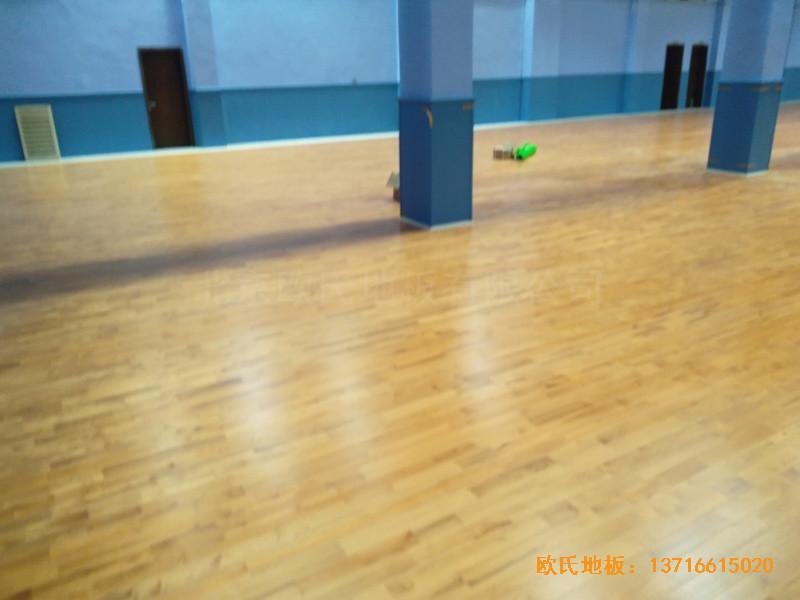 湖北武汉新华路体育场羽毛球馆体育地板铺装案例3