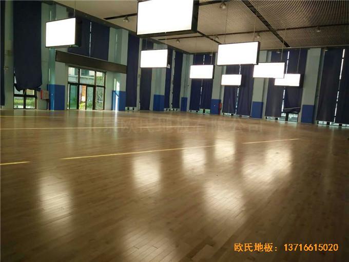 广东珠海市中航花园羽毛球馆运动木地板安装案例